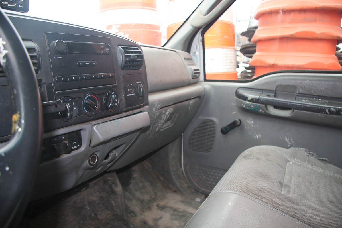 2006 FORD F-250 XL SUPER DUTY PICKUP TRUCK, 4-WHEEL DRIVE, AUTOMATIC, APPROXIMATELY 95,601 MILES, - Image 7 of 11