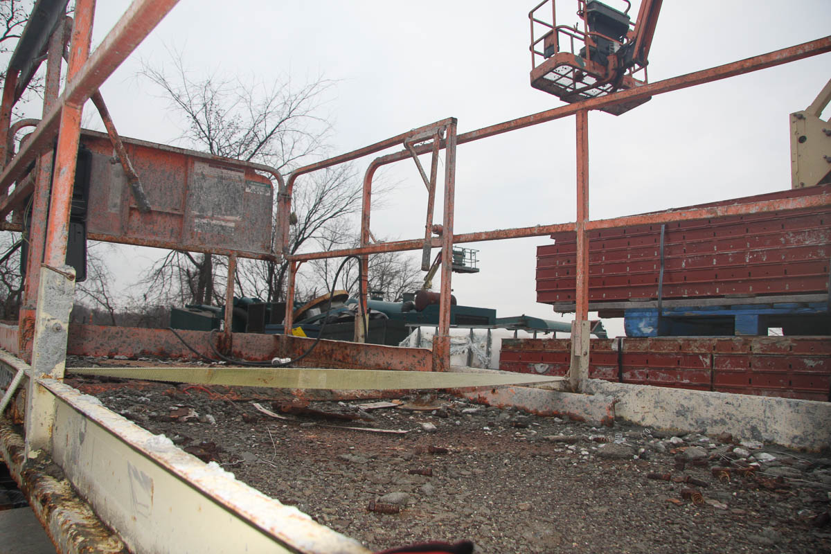 JLG 260MRT SCISSOR LIFT, 26' MAX PLATFORM HEIGHT, 1250# CAPACITY, APPROXIMATELY 2830 HOURS, S/N: N/A - Image 4 of 9