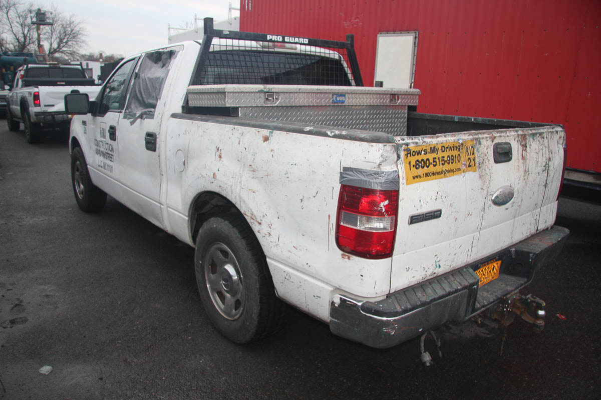 2006 FORD F-150 CREW CAB PICKUP TRUCK, XLT 5.4 TRITON, AUTOMATIC, POWER WINDOWS, APPROXIMATELY 129, - Image 3 of 13