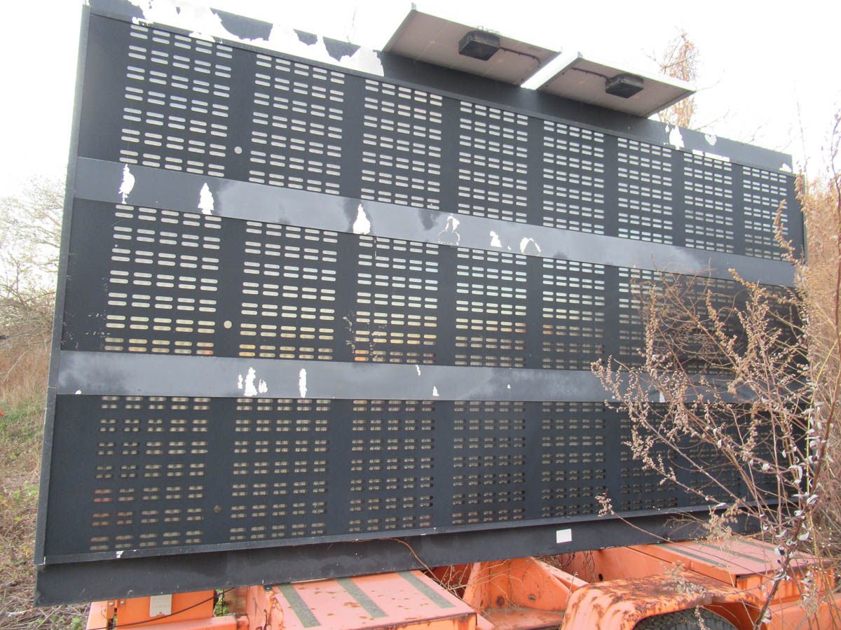 2004 AMERICAN SIGNAL MDL. T331 MESSAGE BOARD [NOTE: SAMPLE PHOTO] [LOCATED @ MARINE PARKWAY BRIDGE - - Image 6 of 6