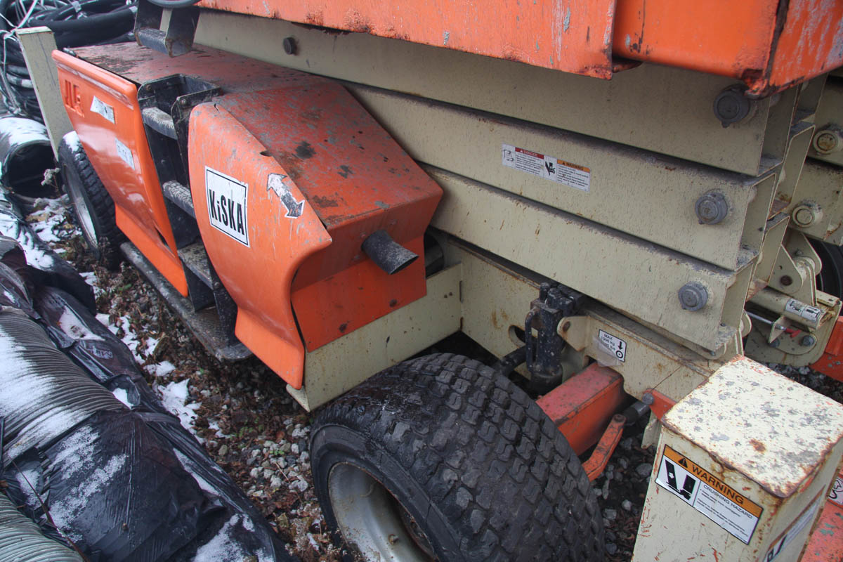2006 JLG 4394RT ROUGH TERRAIN SCISSOR LIFT, WITH 43' MAX PLATFORM HEIGHT, 1500# CAPACITY, S/N: - Image 8 of 10