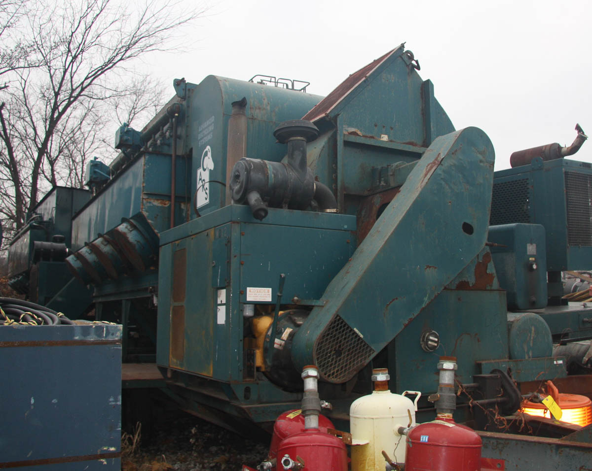 2001 ADVANCED RECYCLING SYSTEMS MDL. DC-40 DUST COLLECTION SYSTEM, ON TRAILER DECK, S/N: - Image 2 of 13
