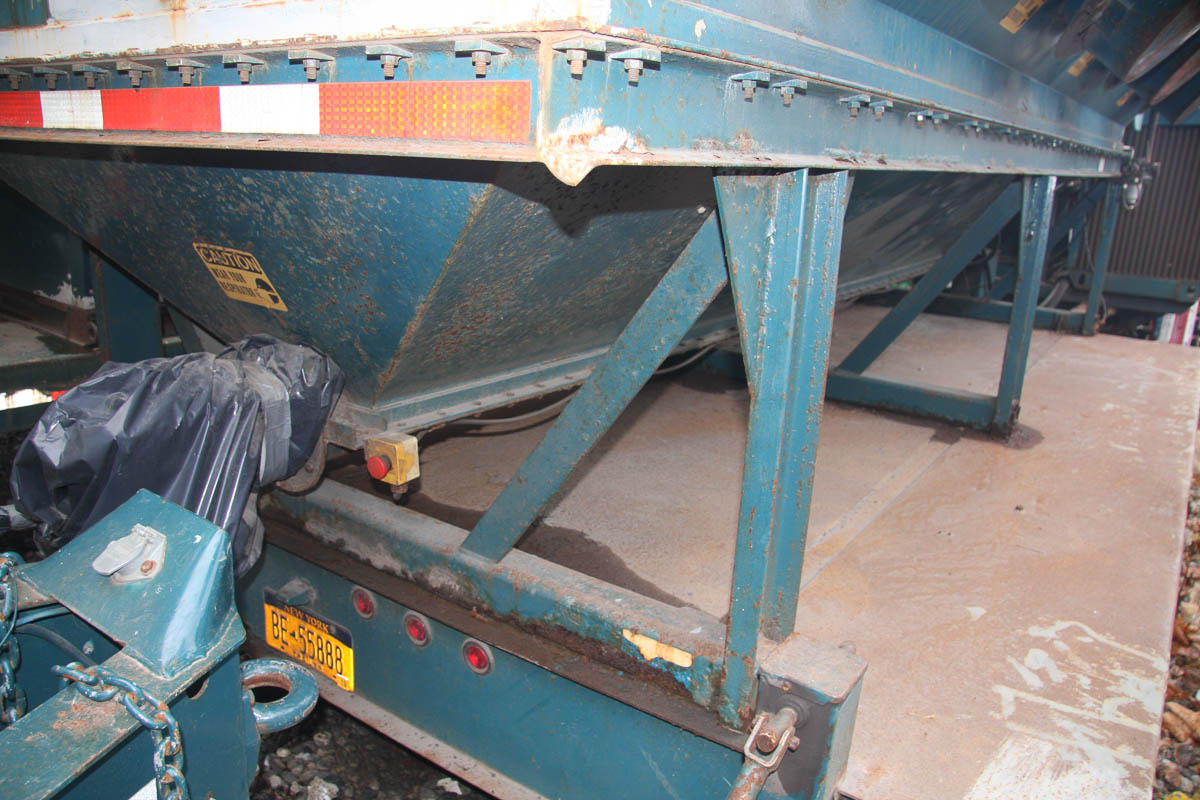 2001 ADVANCED RECYCLING SYSTEMS MDL. DC-40 DUST COLLECTION SYSTEM, ON TRAILER DECK, S/N: - Image 7 of 13