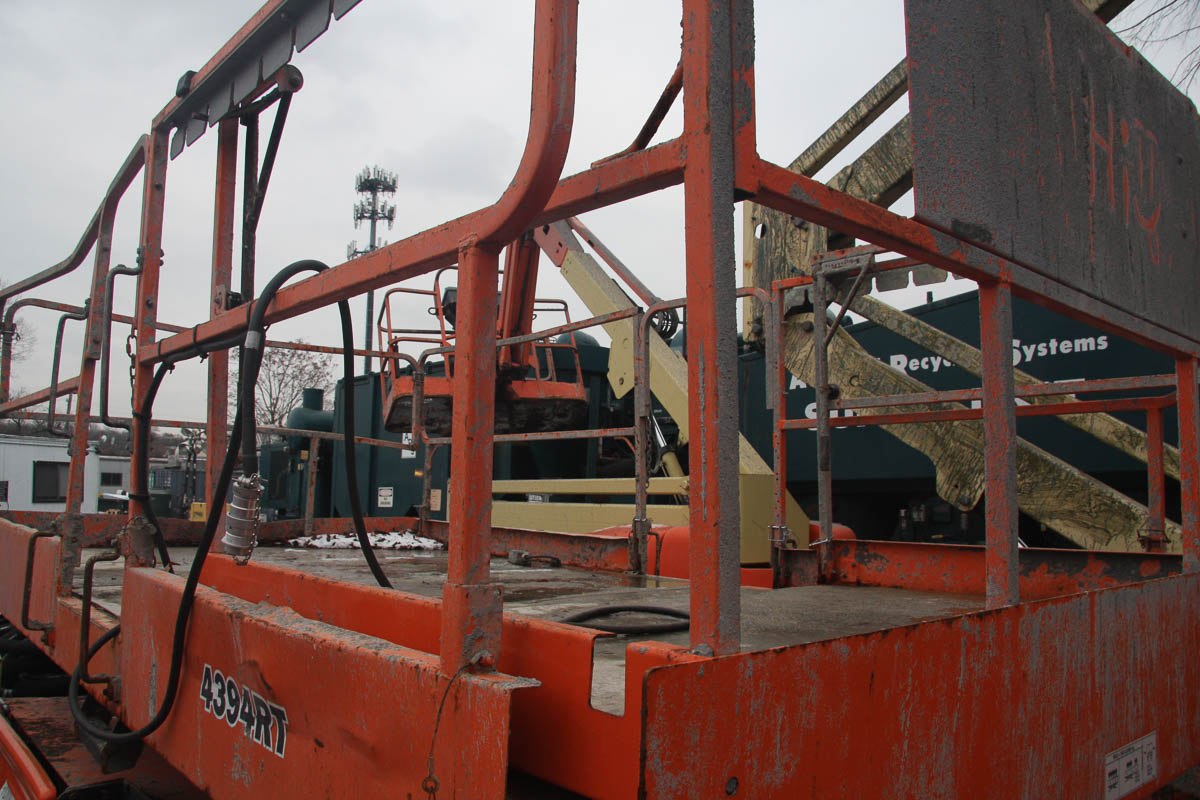 2006 JLG 4394RT ROUGH TERRAIN SCISSOR LIFT, WITH 43' MAX PLATFORM HEIGHT, 1500# CAPACITY, S/N: - Image 9 of 10