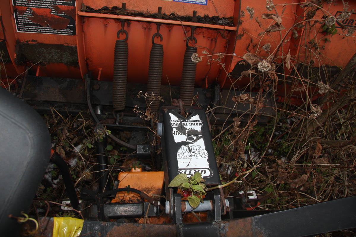 8' CURTIS SNOW PLOW ATTACHMENT [LOCATED @ KEM YARD - PELHAM MANOR, BRONX, NY] - Image 5 of 5