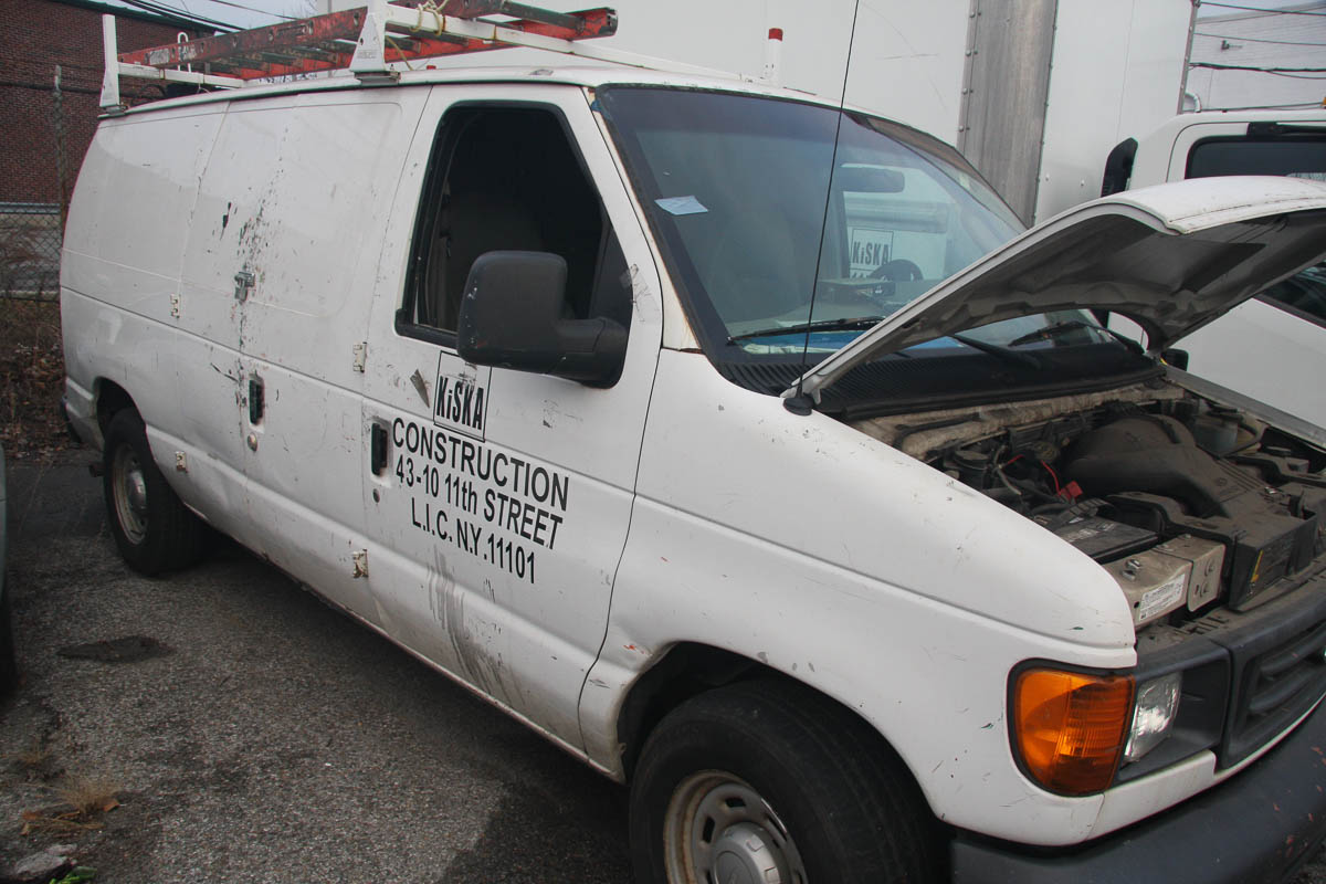 2006 FORD E-150 PANEL VAN, AUTOMATIC, APPROXIMATELY 68,506 MILES, VIN: 1FTRE14W4GDA37079 (#51) [ - Image 3 of 7