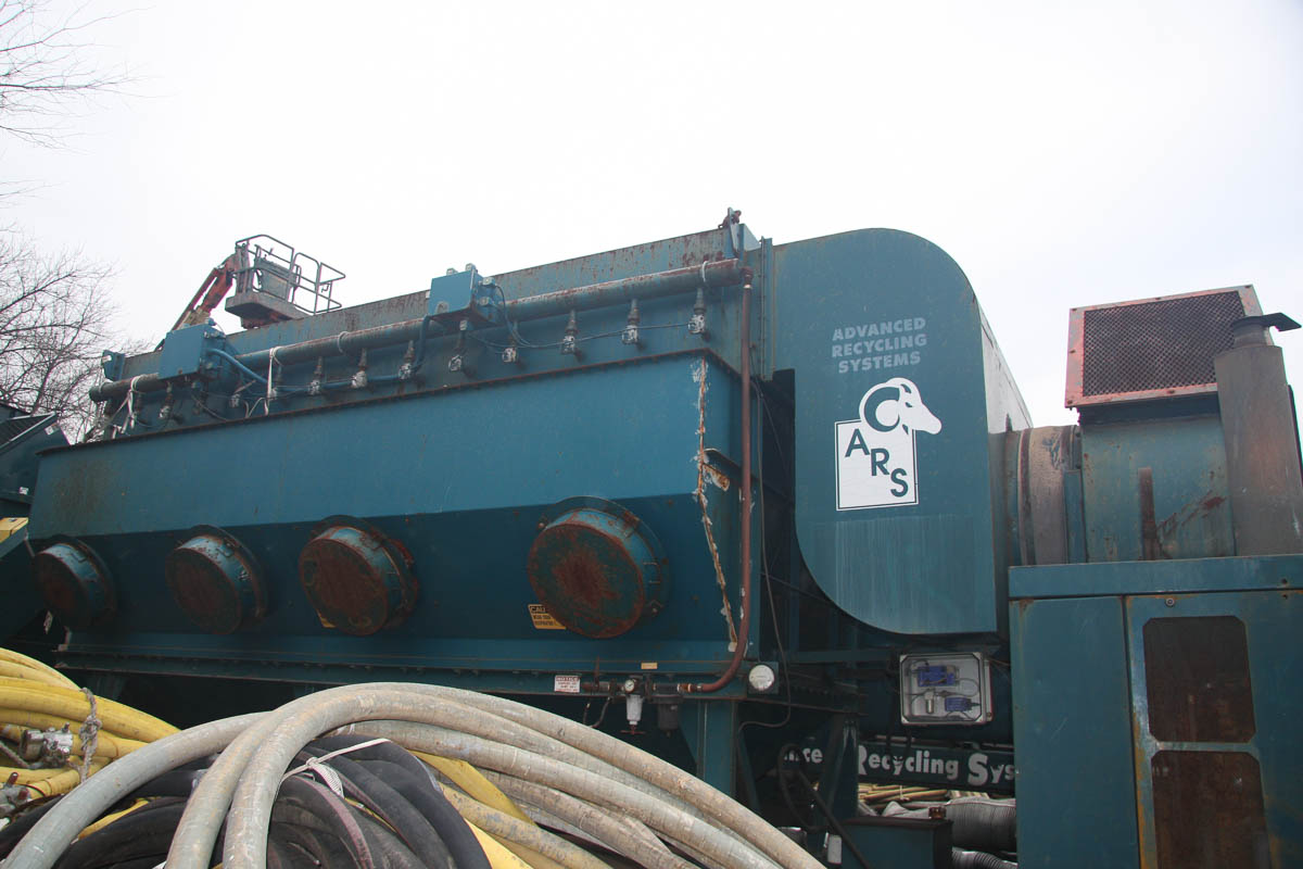 2001 ADVANCED RECYCLING SYSTEMS MDL. DC-40 DUST COLLECTION SYSTEM, ON TRAILER DECK, S/N: