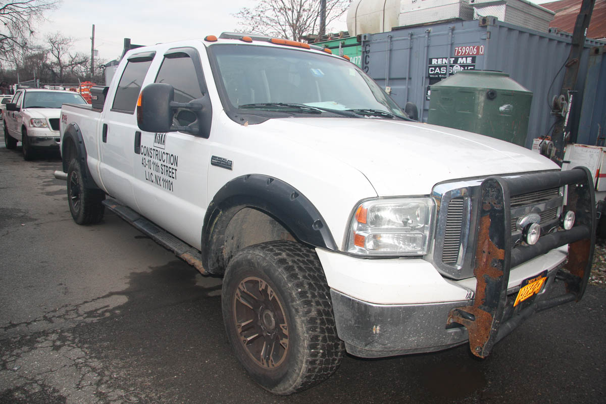 2007 FORD F-350 LARIAT SUPER DUTY FX OFF-ROAD PICKUP CREW CAB TRUCK, 4-WHEEL DRIVE, WITH POWER - Image 2 of 13