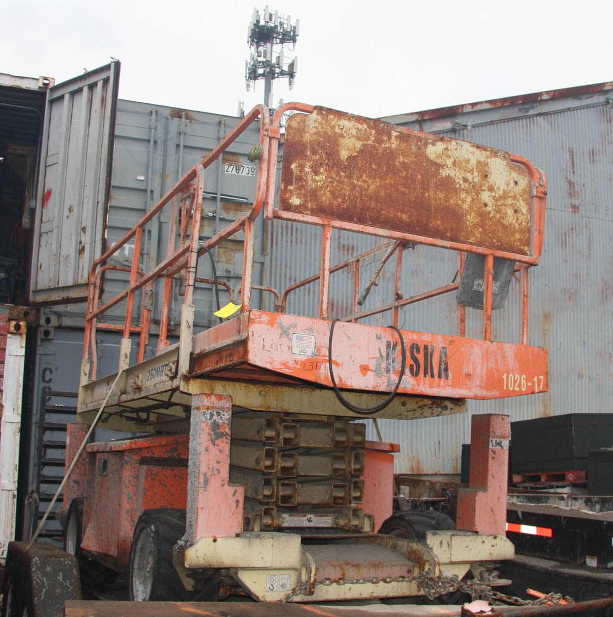 JLG 260MRT SCISSOR LIFT, 26' MAX PLATFORM HEIGHT, 1250# CAPACITY, APPROXIMATELY 2830 HOURS, S/N: N/A - Image 9 of 9