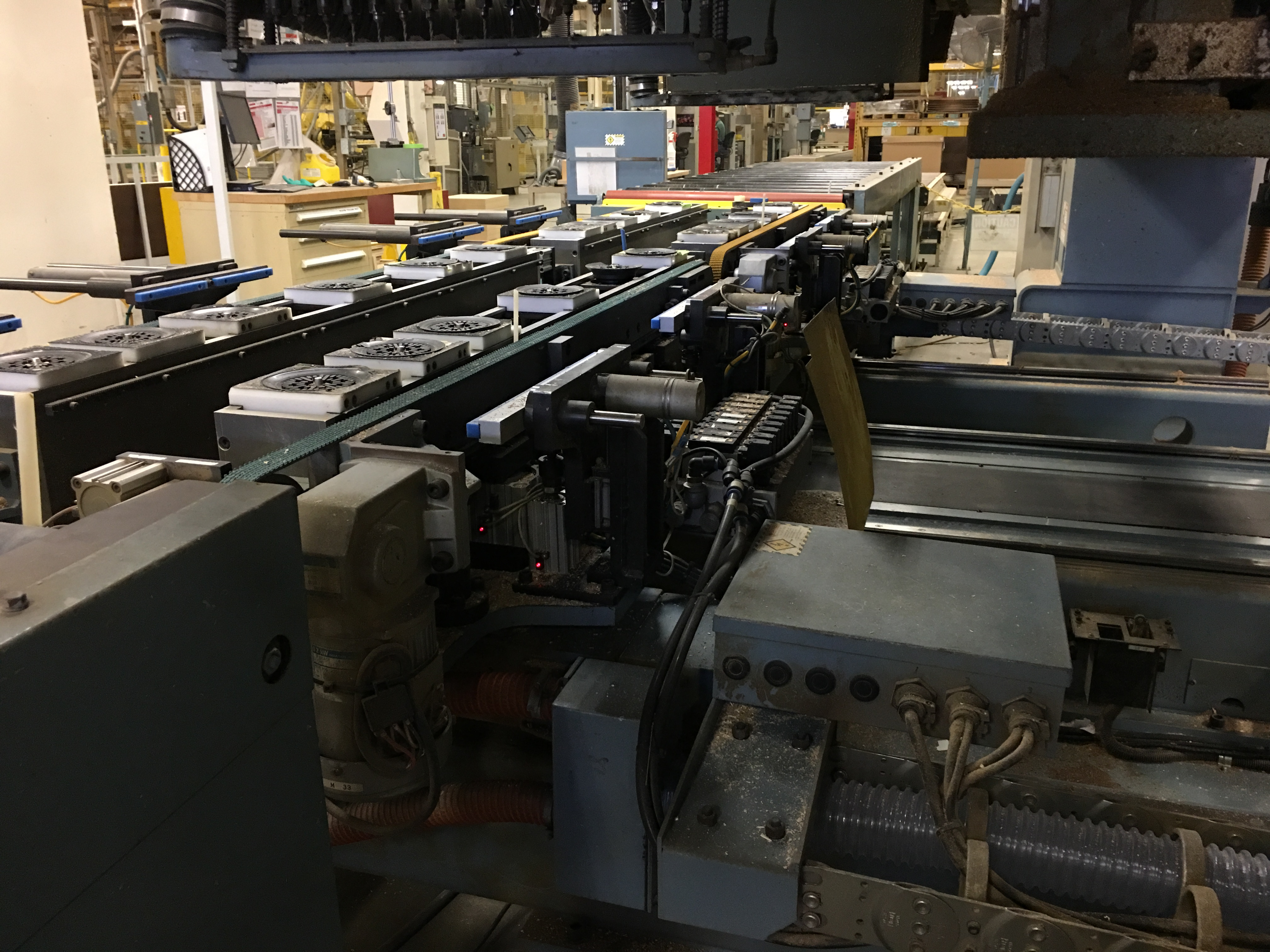 HEIAN CNC ROUTER WITH VACUUM PUMPS - Image 11 of 11