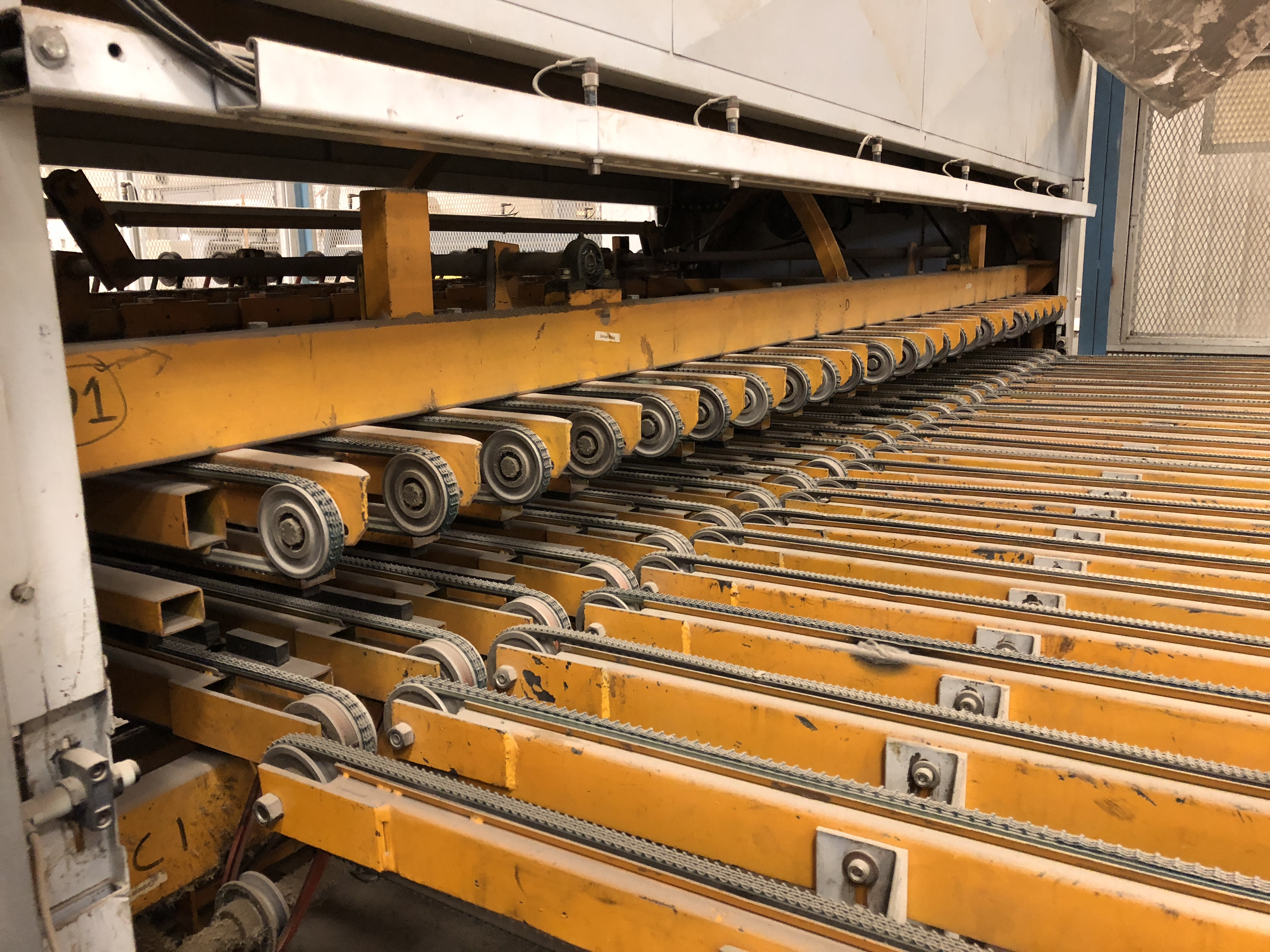 CEFLA PANEL FLIPPER (WITH INFEED AND OUTFEED BELT CONVEYORS) - Image 8 of 11