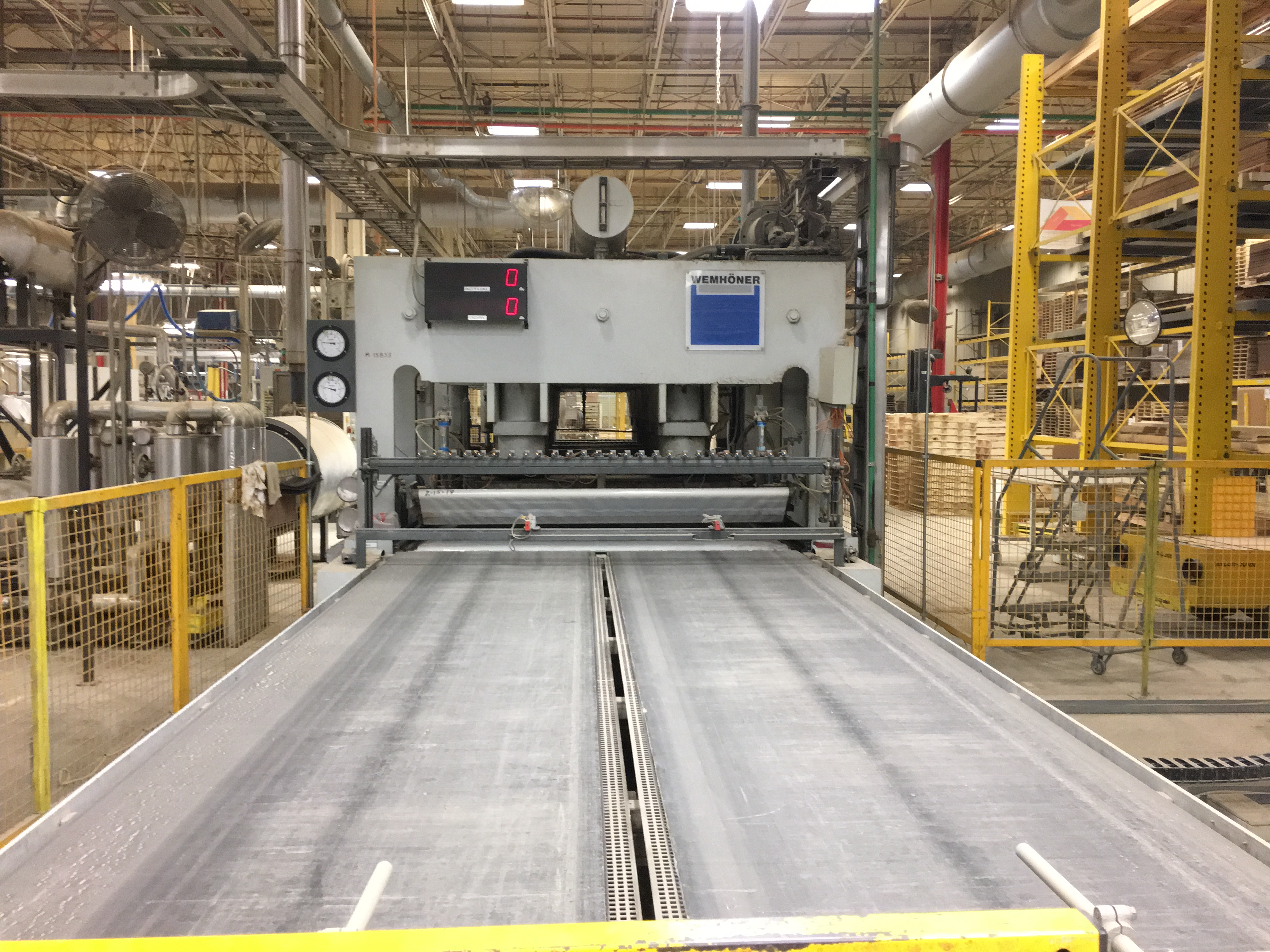 WEMHONER PRESS including infeed conveyor outfeed conveyor - Image 6 of 9