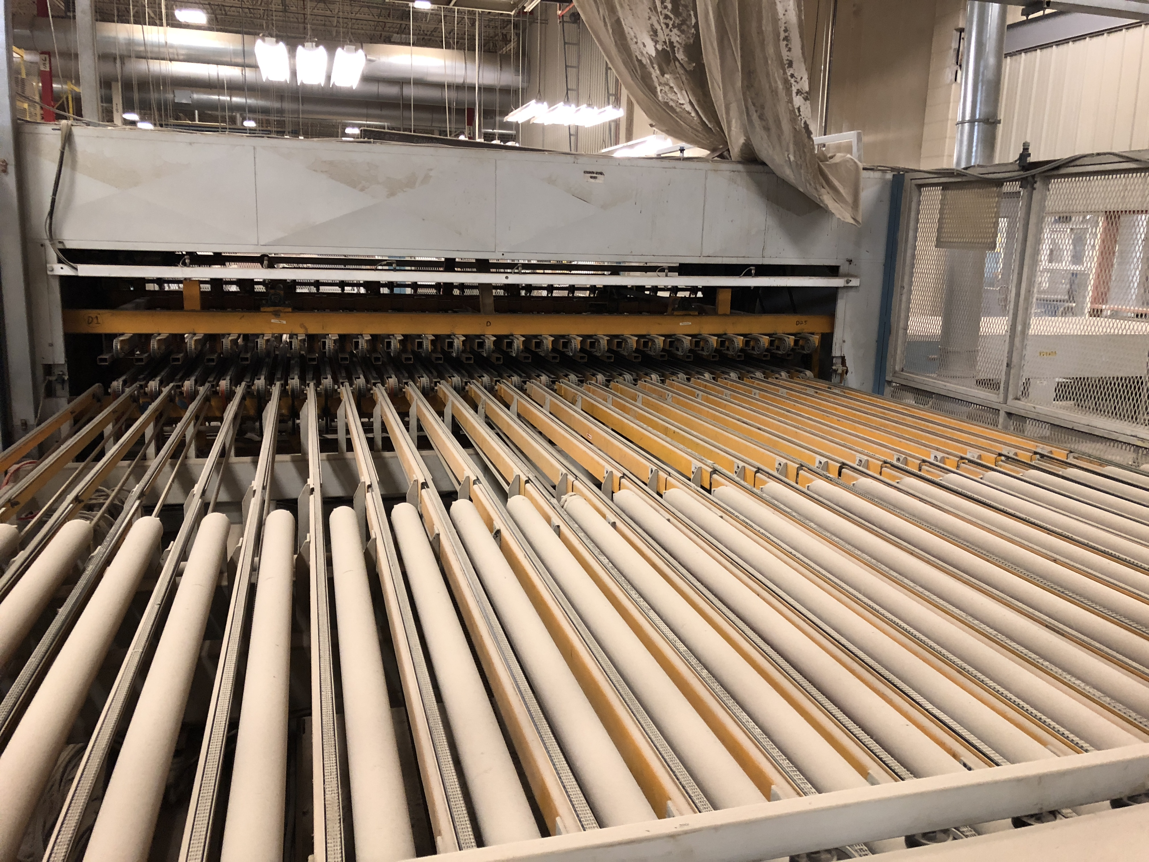 CEFLA PANEL FLIPPER (WITH INFEED AND OUTFEED BELT CONVEYORS) - Image 5 of 11