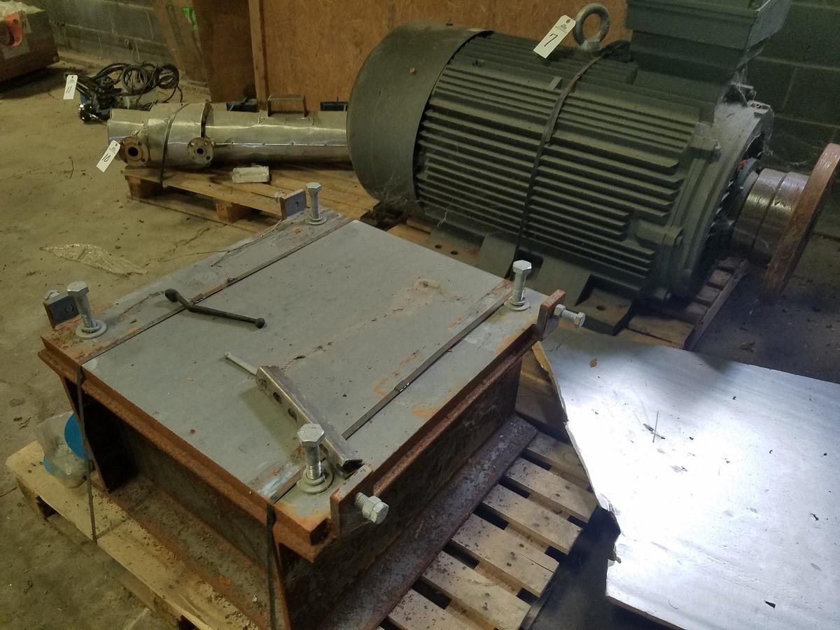 Shandong Huali 132 KW Electric Motor, W/ Riser Platform | Rig Fee: $75 - Image 3 of 3