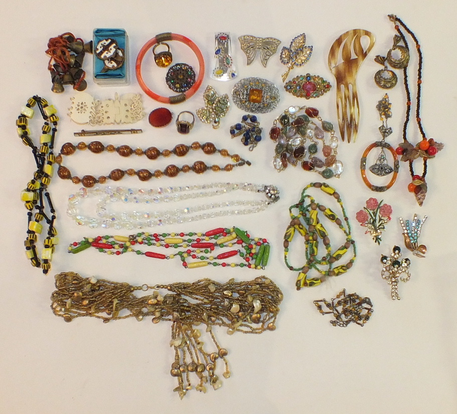Lot 182 - An early-20th century paste-set pendant, (a/f) and other costume jewellery.