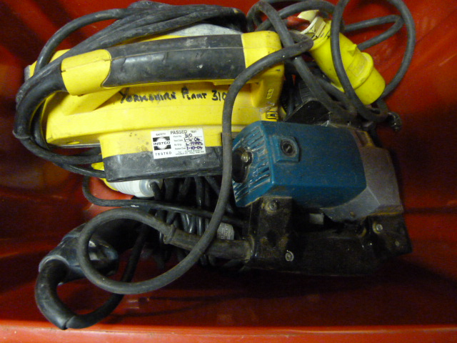 Lot 180 - Box of Power Tools
