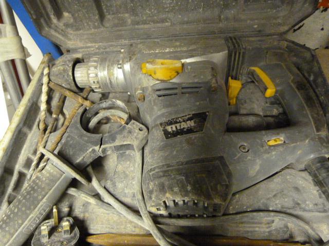 Lot 61 - Titan Hammer Drill