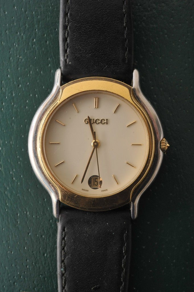 gucci 8000m. lot 3007 - a boxed dual tone gucci 8000m wristwatch 8000m