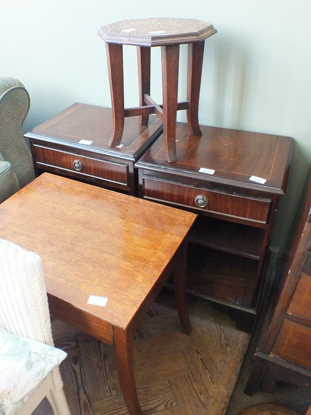 Lot 1027 - A pair of reproduction mahogany bedside chests,