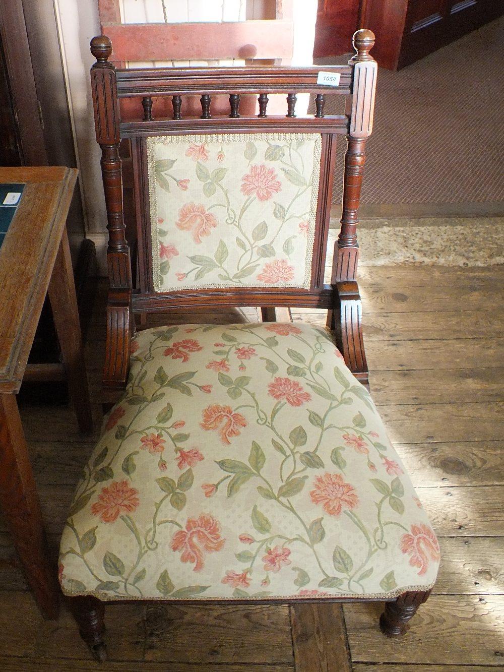 Lot 1058 - An Edwardian mahogany lady's chair