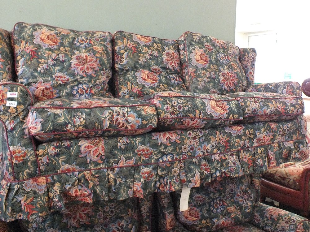 Lot 1029 - A modern floral three piece suite