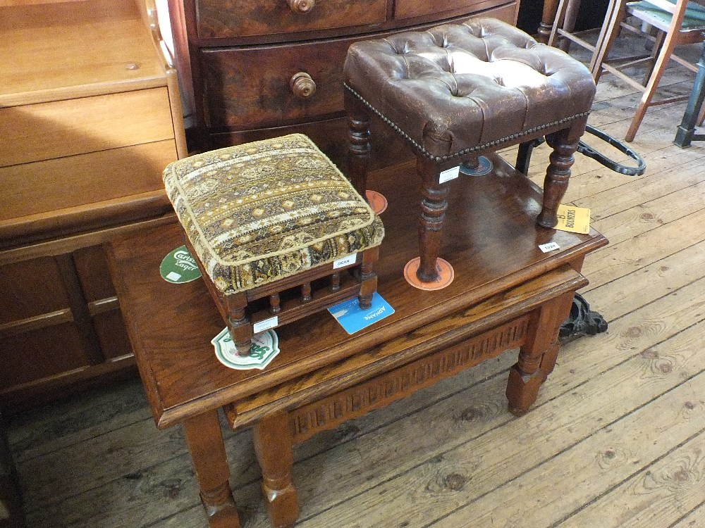 Lot 1020 - A nest of two oak tables plus two stools