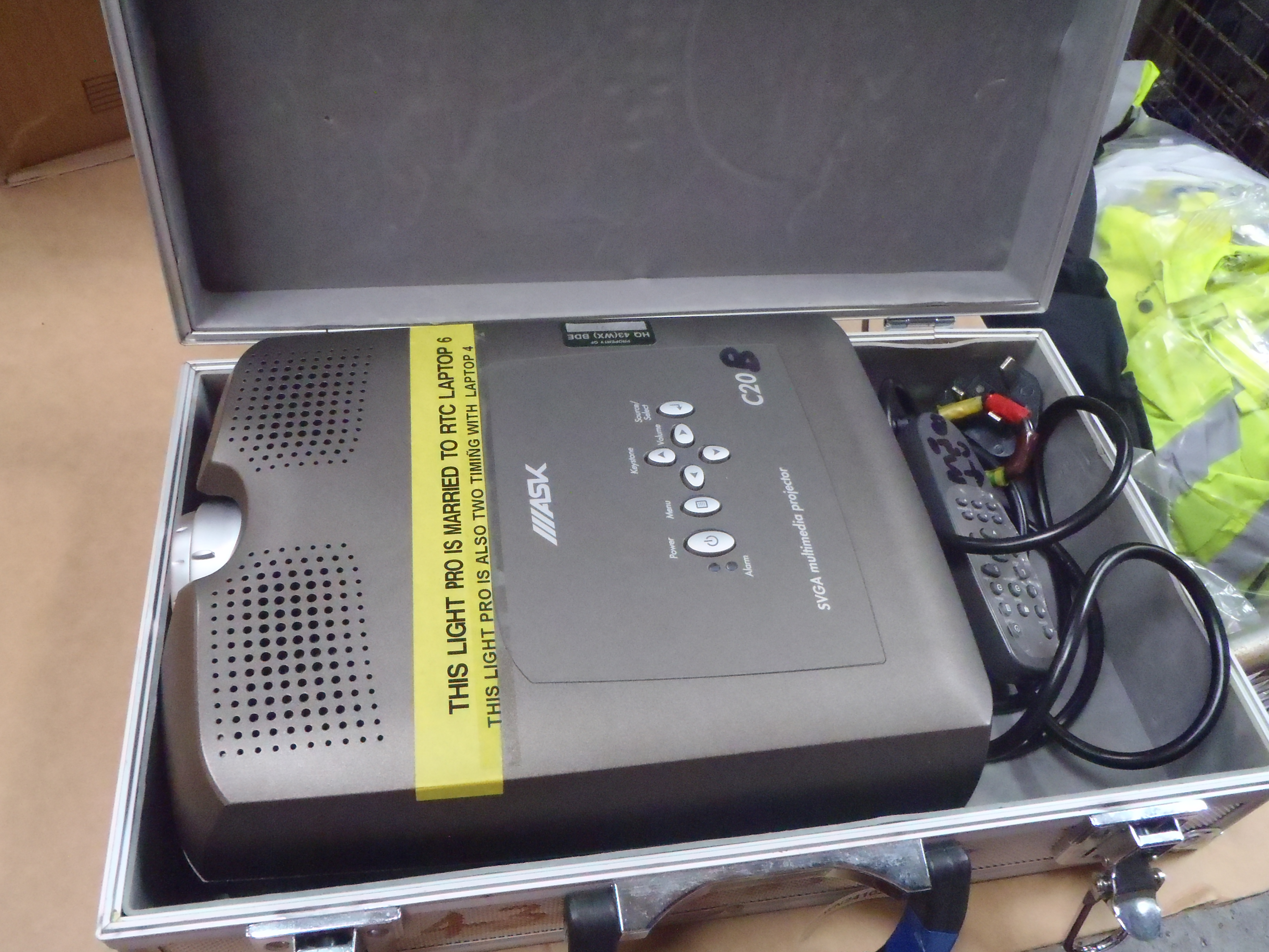SVGA Multimedia Projector and Case - Used - Untested