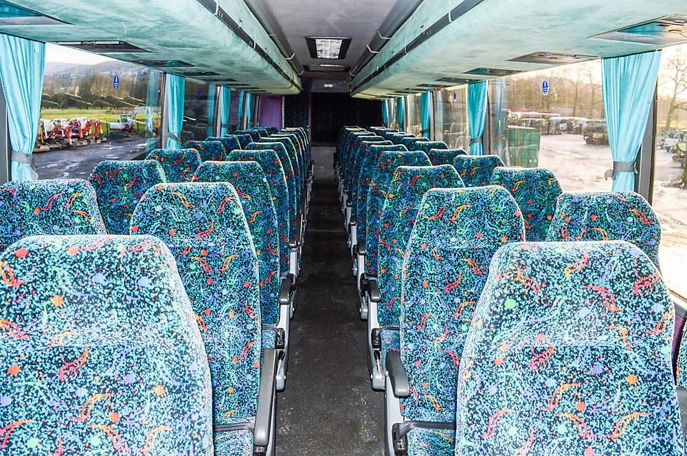 Lot 20 - Volvo Vanhool 48 seat luxury coach Registration Number: WSV 568 Date of Registration: 01/03/1999 MOT