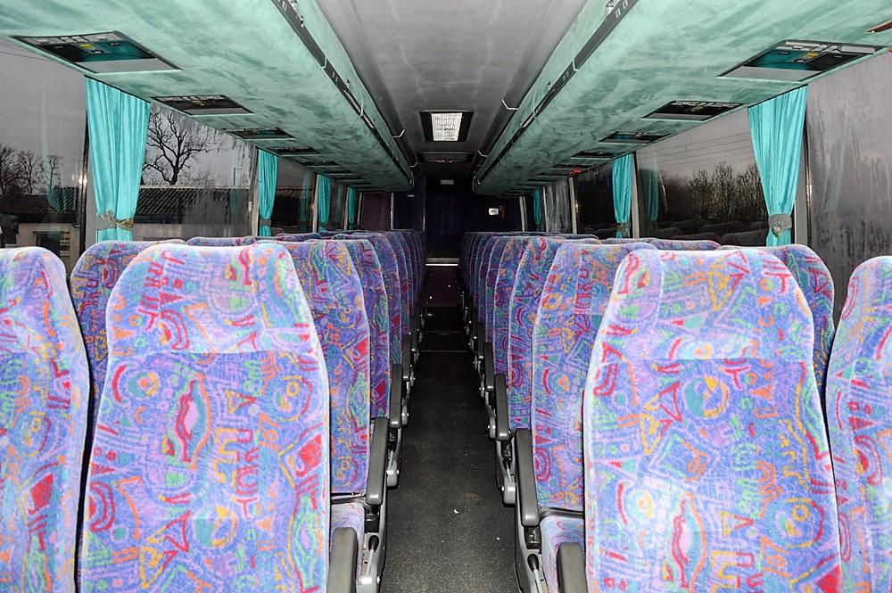 Lot 11 - Volvo Vanhool 51 seat luxury coach Registration Number: TRN 772 Date of Registration: 01/03/1999 MOT