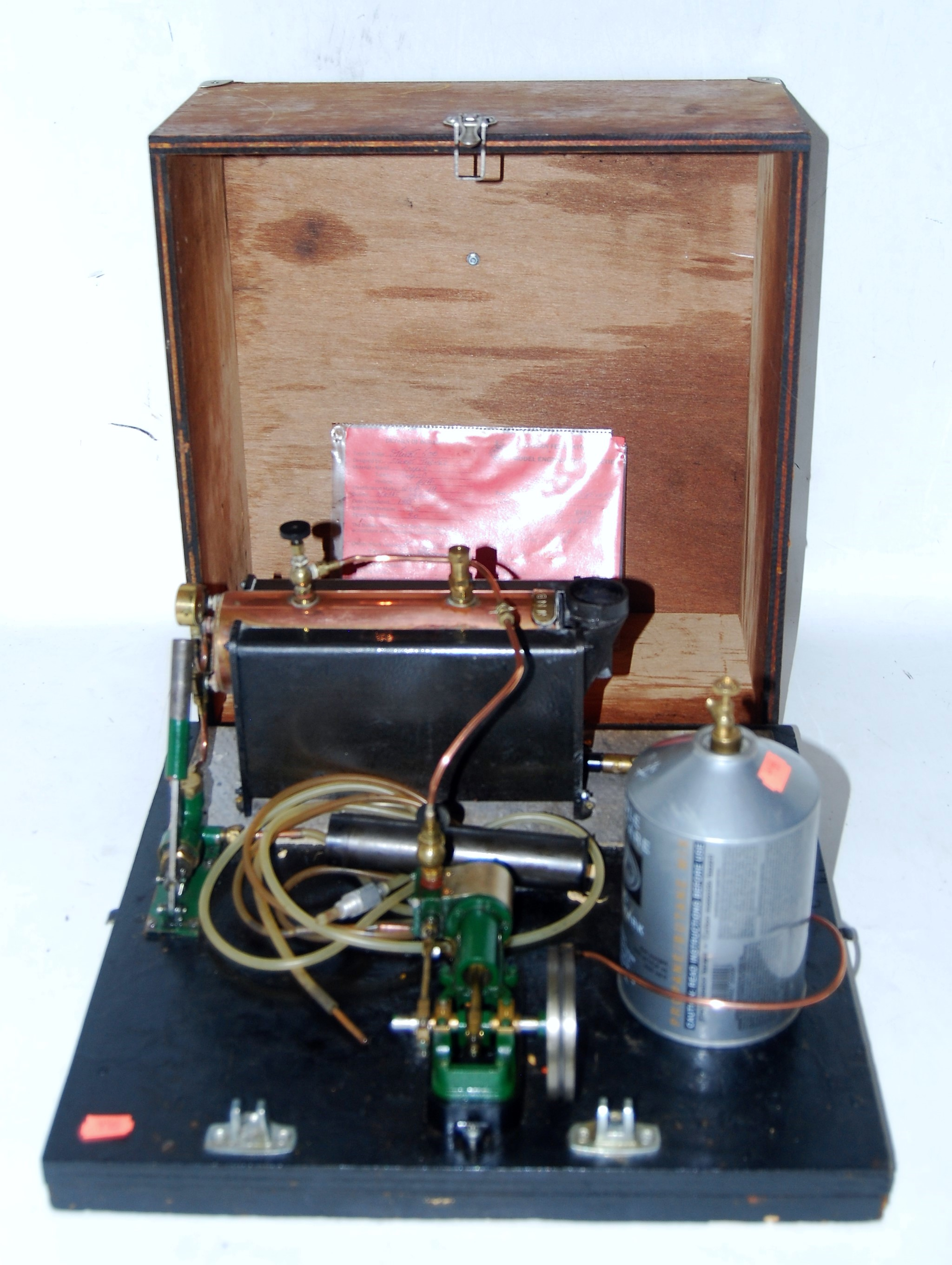 Lot 21 - A Stuart Turner gas powered live steam stationary steam plant comprising of a Stuart Turner 500