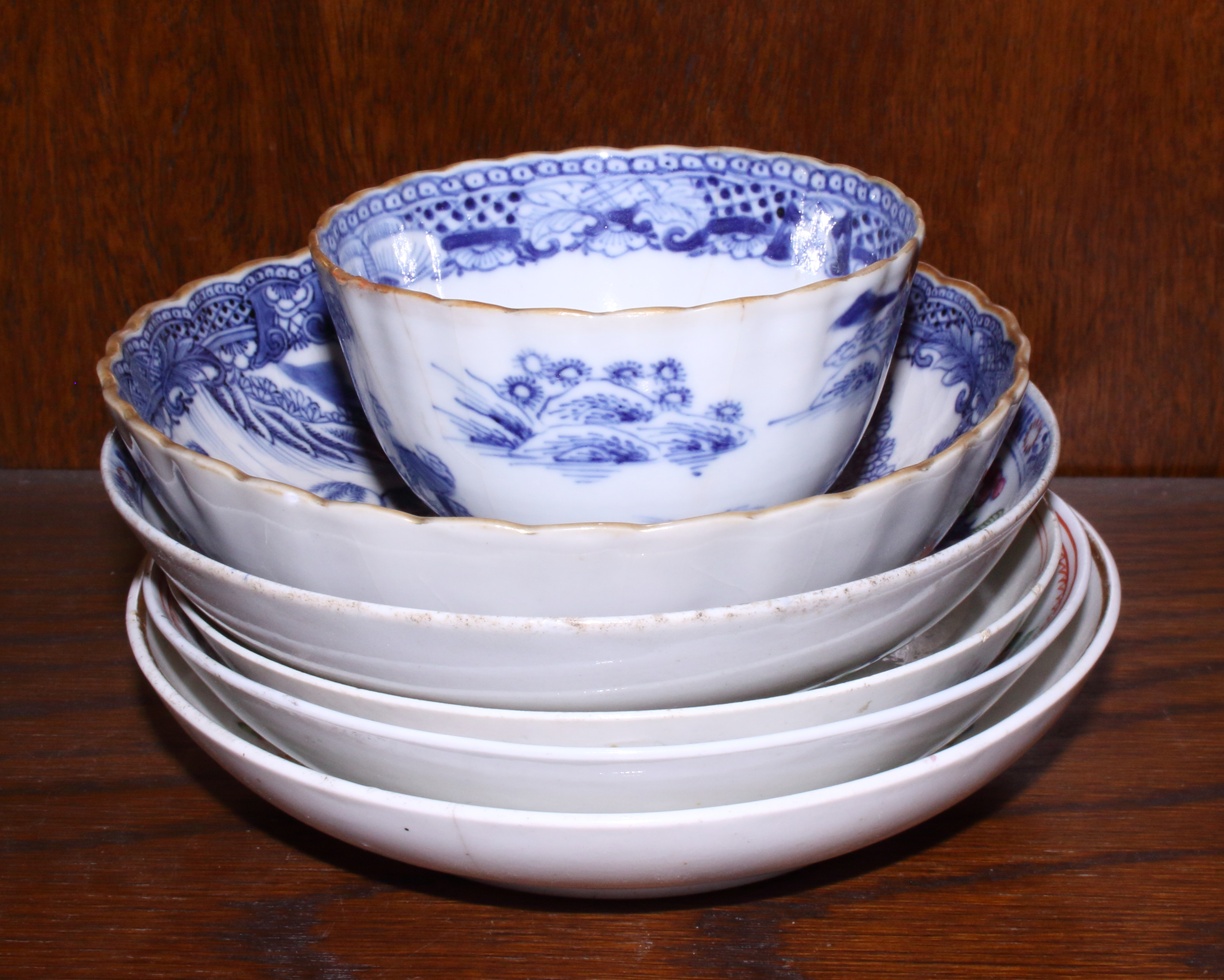 Lot 24 - A New Hall pattern 272 tea bowl and saucer a Derby cup and saucer decorated with sprigs of