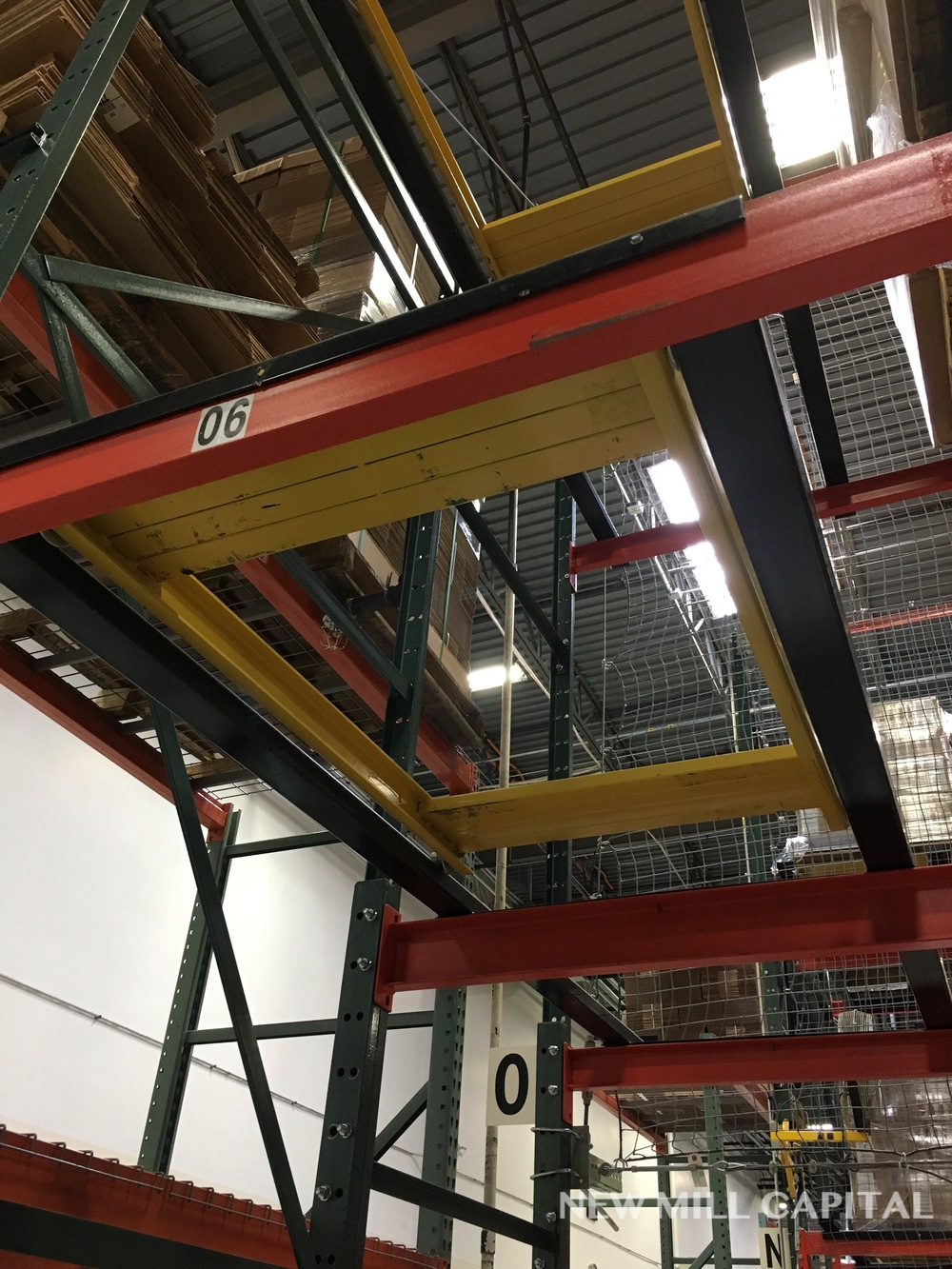 Lot 15 - Bolt Up Pallet Rack, (2) Sections, First Section - (17) Uprights (Columns | Rig: See Lot Description