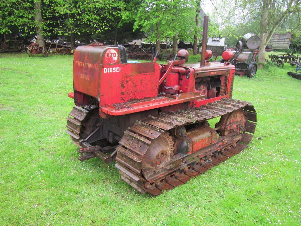 international btd6 4cylinder diesel crawler tractor serial. Black Bedroom Furniture Sets. Home Design Ideas