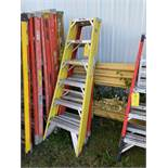 Ladders, 5', Qty 2, (Rigging & Loading: $25) (Located in Oelwein, IA)