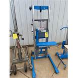 Genie Lift, 500 lb Capacity (Located in Oelwein, IA) (Rigging & Loading: $25)