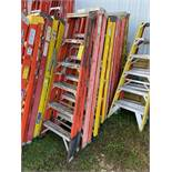 Ladders, 6', Qty 2, (Rigging & Loading: $25) (Located in Oelwein, IA)