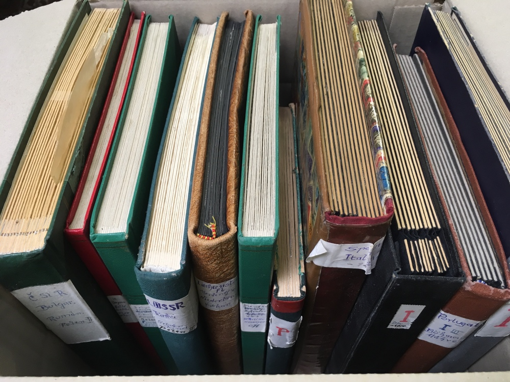 Lot 11 - BOX WITH EUROPE IN ELEVEN STOCKBOOKS, SO