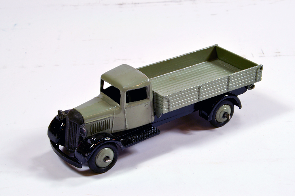 Lot 22 - Dinky 25 Series Tipping lorry in grey. E to NM. Fine example.