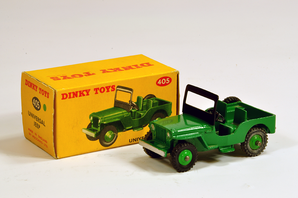 Lot 9 - Dinky No. 405 Universal Jeep with green body, green ridged hubs with black treaded tyres. Fine