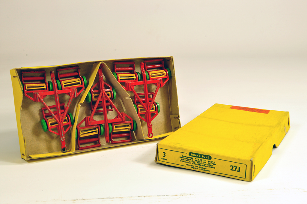 Lot 4 - Dinky No.27j trade Box of Triple Gang Mowers. Rare set for Export and Sale by Hudson Dobson (sticker