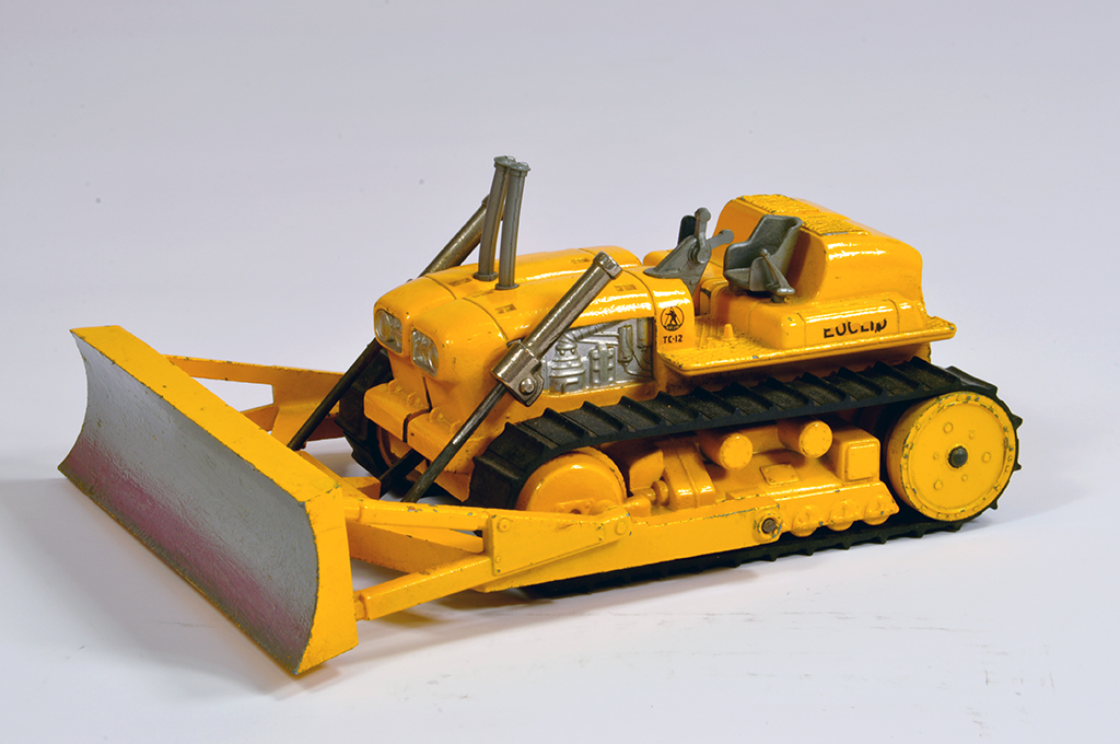 Lot 3 - Corgi No. 1107 Euclid TC12 Tractor with lever operated dozer blade. Scarce Yellow. Generally G to