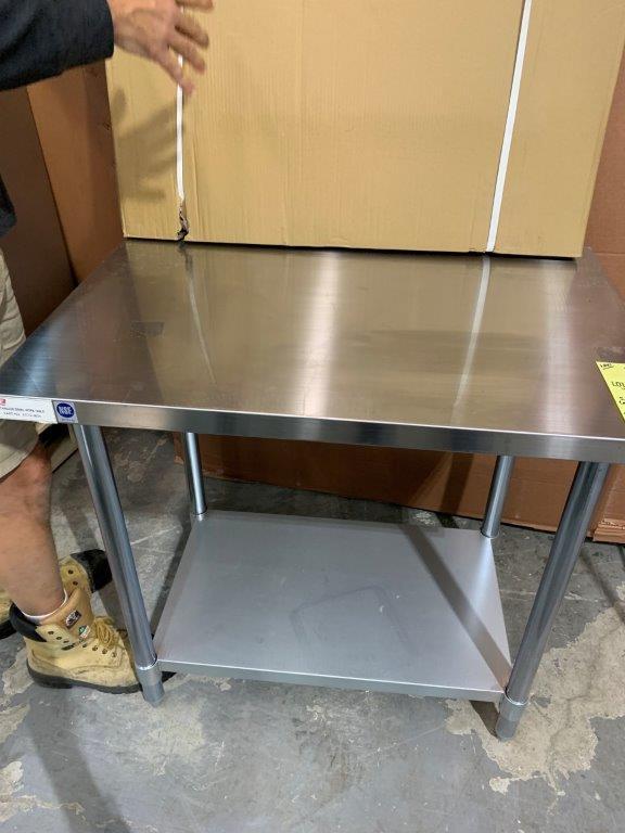 "Table de travail acier inox MKE - NEUVE # ECTC 3030 - 30 x 30"""