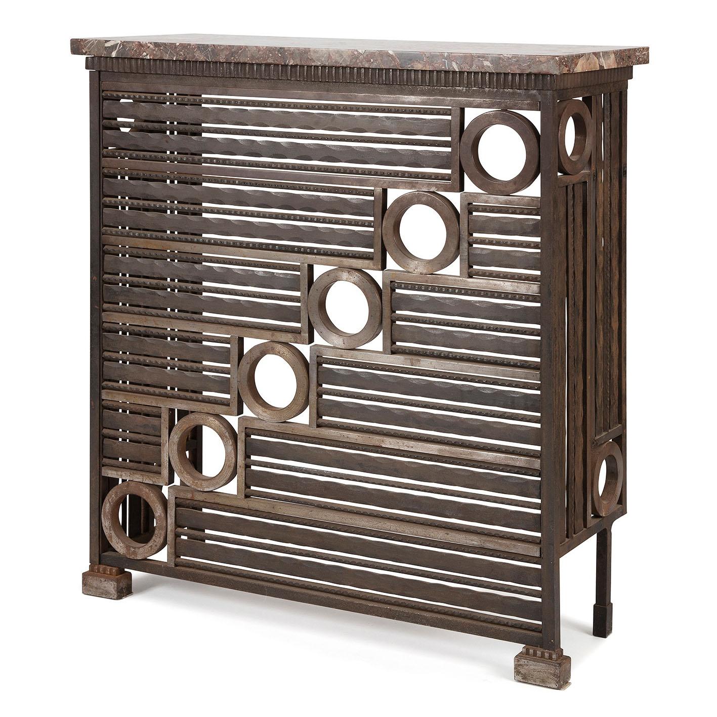 travail fran ais vers 1930exceptionnel cache radiateur en fer forg patin et en acier poli le d. Black Bedroom Furniture Sets. Home Design Ideas