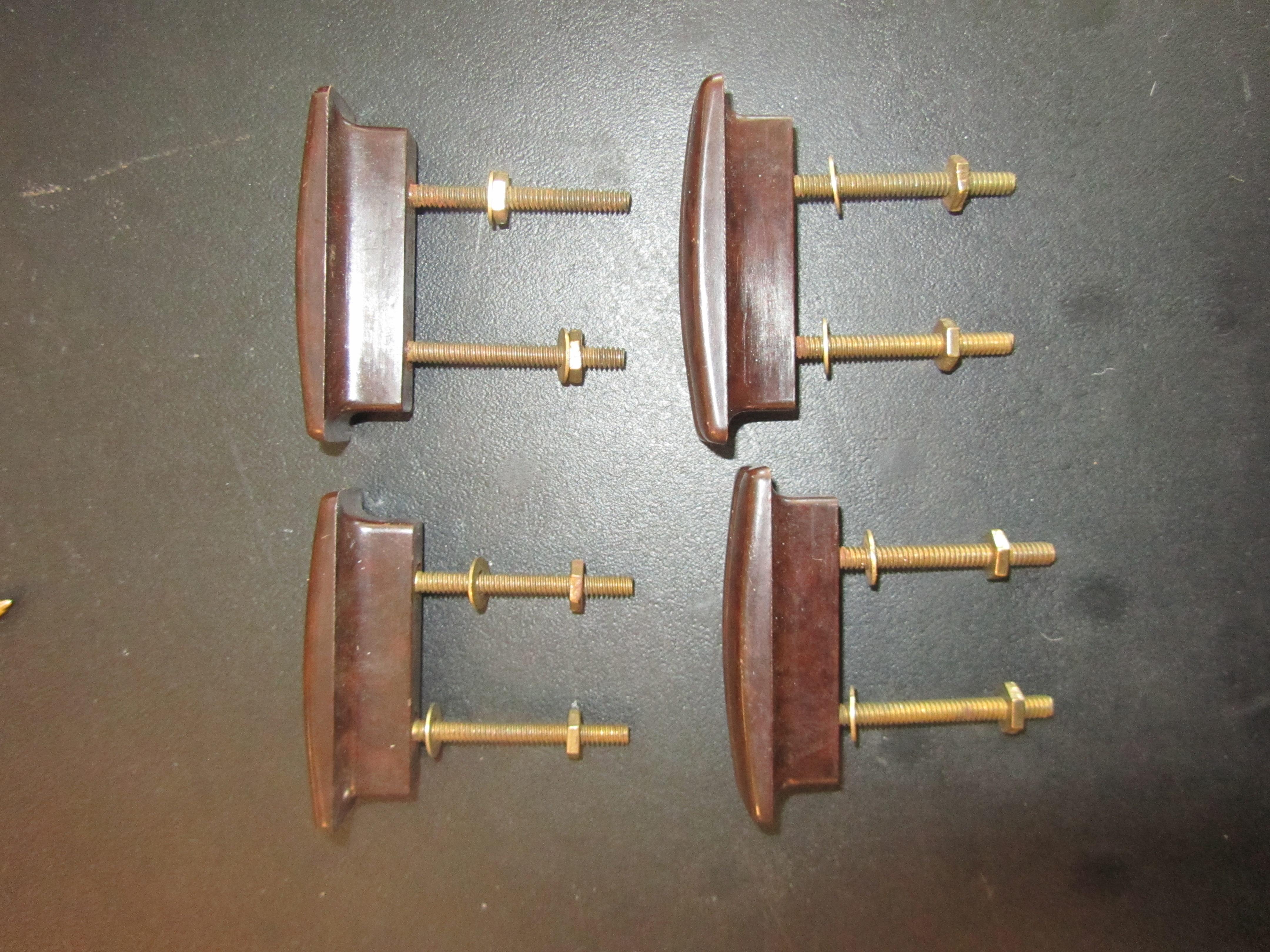 Lot 5 - An Art Deco mahogany console table