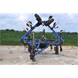 11 shank pull type NH3 applicator, disc sealers, wing gauge wheels, hyd fold, hyd raise