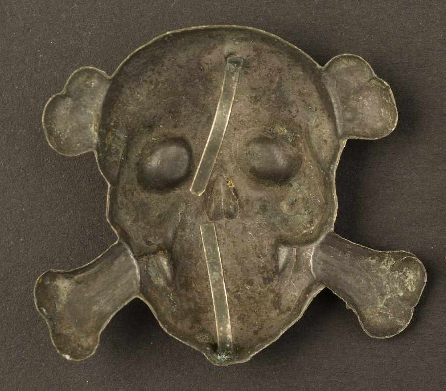 Grand modèle d'Insigne de coiffure des Brigades noires de la RSIEn métal non ferreux, zamak, avec au - Bild 2 aus 2