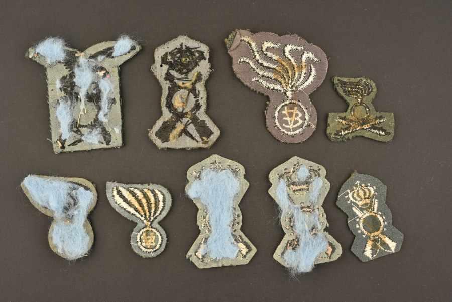 Insignes de l'armée royale italienneComprenant neuf insignes de coiffure troupe. A noter une - Bild 2 aus 2