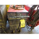 MILLER GOLDSTAR 452 TIG WELDER W/CART