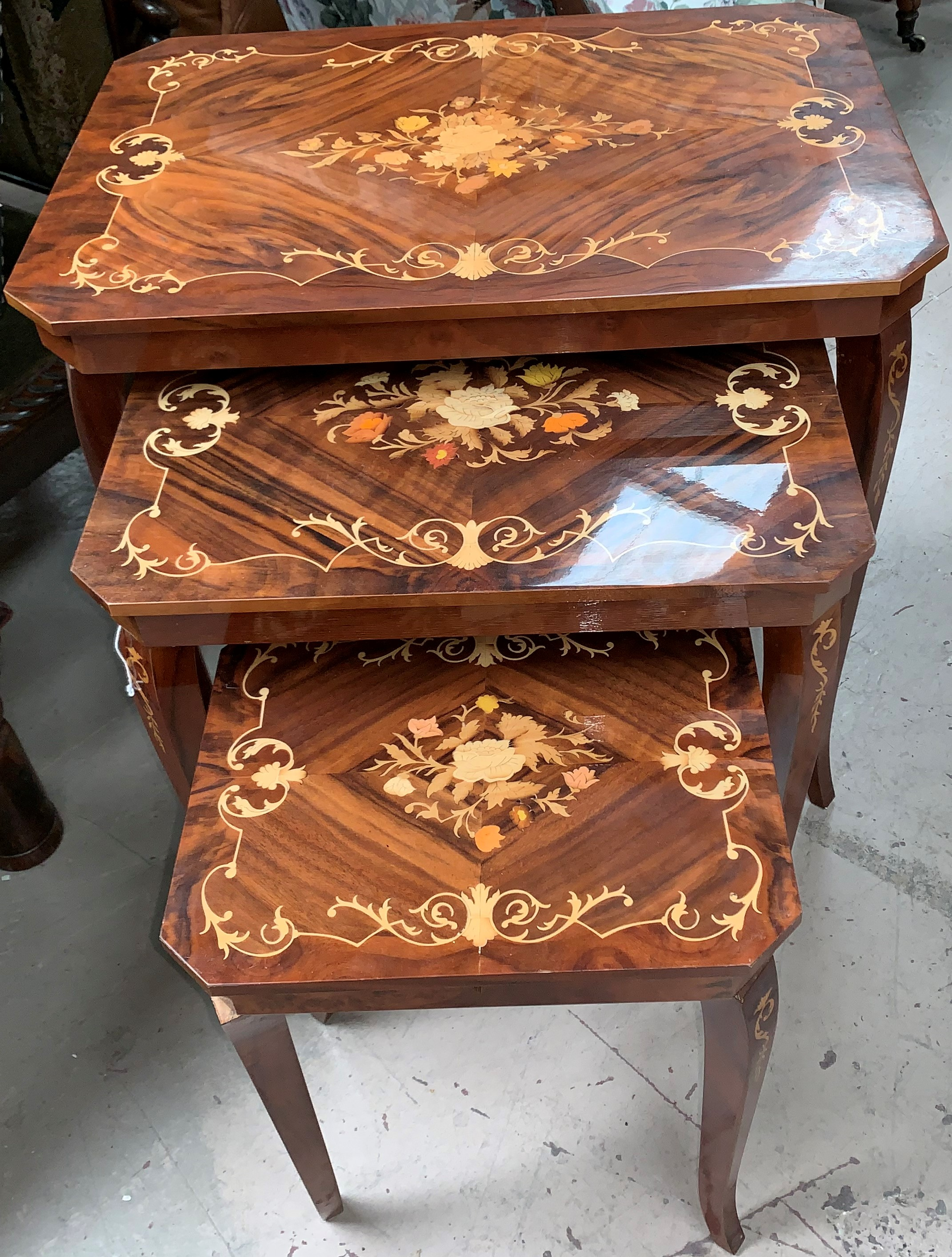 Lot 313A - A nest of 3 modern Italian 'Sorrento' style walnut and marquetry effect occasional tables