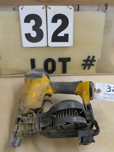 Lot 32 - Bostitch Coil Nailer